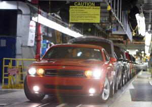 Video: Building Dodge Challengers in 20 Hours And Over 20 Miles
