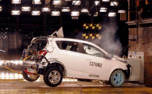 2012 Chevy Sonic Crash Test Video, To Come Standard With 10 Airbags