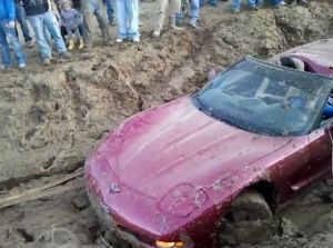Video: Chevy Corvette Stuck In Deep Mud