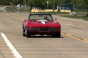 Video: Test Driving A Classic '67 427 Corvette