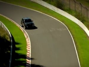 Video: Jeep Grand Cherokee SRT8 Laps The 'Ring In 8:49
