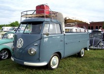 16._VW_Transporter_PU_with_roof_rack