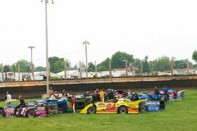 Lincoln Speedway Hosts NASCAR Night Tonight