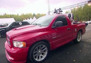 Video: 500 Cowpower RAM SRT-10 Drag Races European Super SUVs