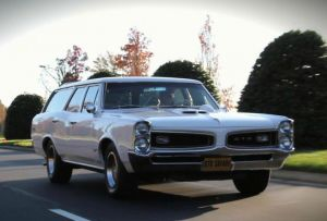 Video: Student Documentary Analyzes The American Station Wagon
