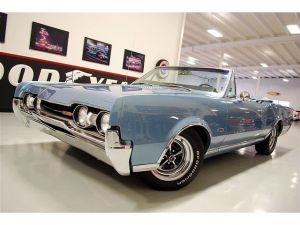 eBay Find Of The Day: '67 Olds 442 Convertible