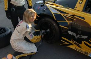 Canadian Hotties In High Heels Perform Pit Stop For Corvette Racing
