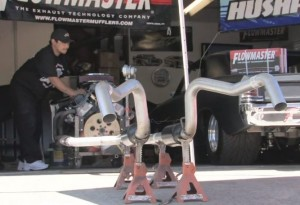 Video: Flowmaster Tests 7 Different Mufflers On One Small-Block
