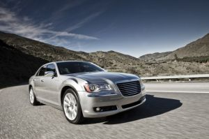 2013 Chrysler 300 Gets Pentastar V6, 8-Speed Auto Standard