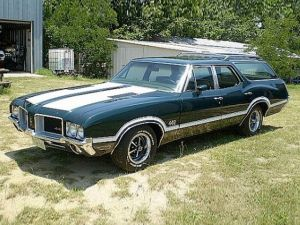 The Cutlass 4-4-2 Wagon Oldsmobile Should Have Made