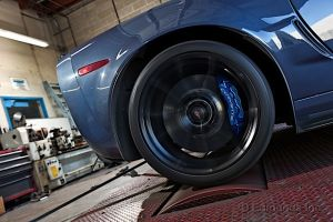 Edmunds Stacks the 2013 Viper Against the 2012 ZR1 on the Dyno