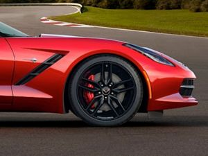 Video: Michelin Talks About the C7 Stingray's New Tires