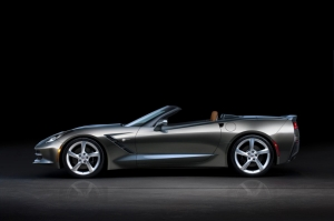 GM to Auction Off First C7 Convertible at Barrett-Jackson Palm Beach