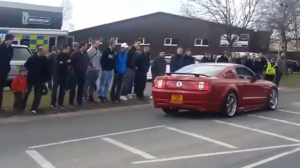 Video: British Mustang Driver Makes Bloody Fool of Himself
