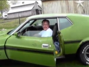 Video: Son Recovers Father's Long Lost Mustang Mach 1