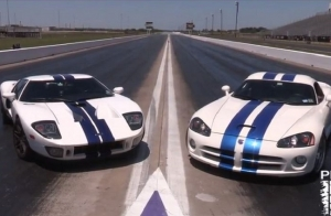 Video: 1,100 Horsepower Viper VS. 1,100 Horsepower Ford GT