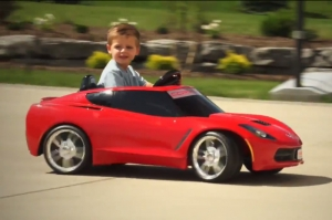 Video: Power Wheels C7 Corvette Sports Chrome and Spinning Wheels