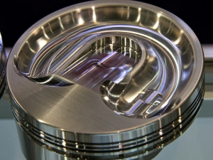SEMA 2013: JE Expanding Piston Line For LT1 and Coyote