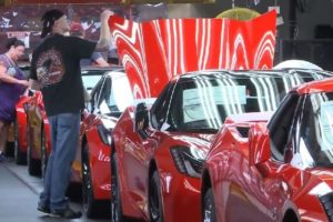 Video: Building a 2014 Corvette Stingray from Beginning to End