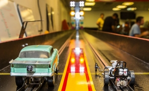 slot-car-drag-racing-heads-up