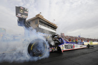 017-AntronBrown-Sun-PA1Action