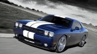 Dodge-Challenger_SRT8_392_2011_800x600_wallpaper_01
