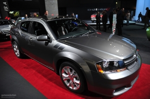 nyias-2011-dodge-avenger-r-t-live-photos_5