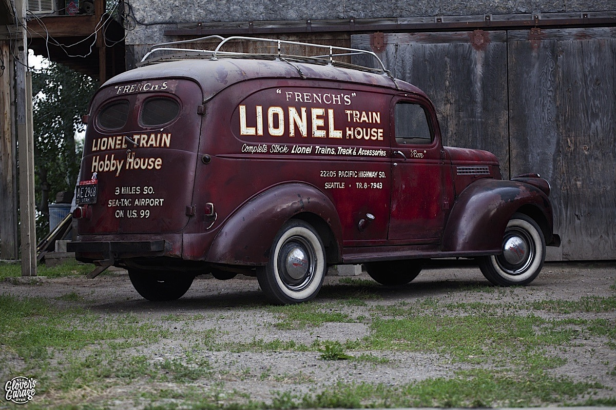 Video: Barn Find 1946 Chevy Panel Truck - Chevy Hardcore