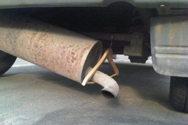 A different kind of exhaust hanger.
