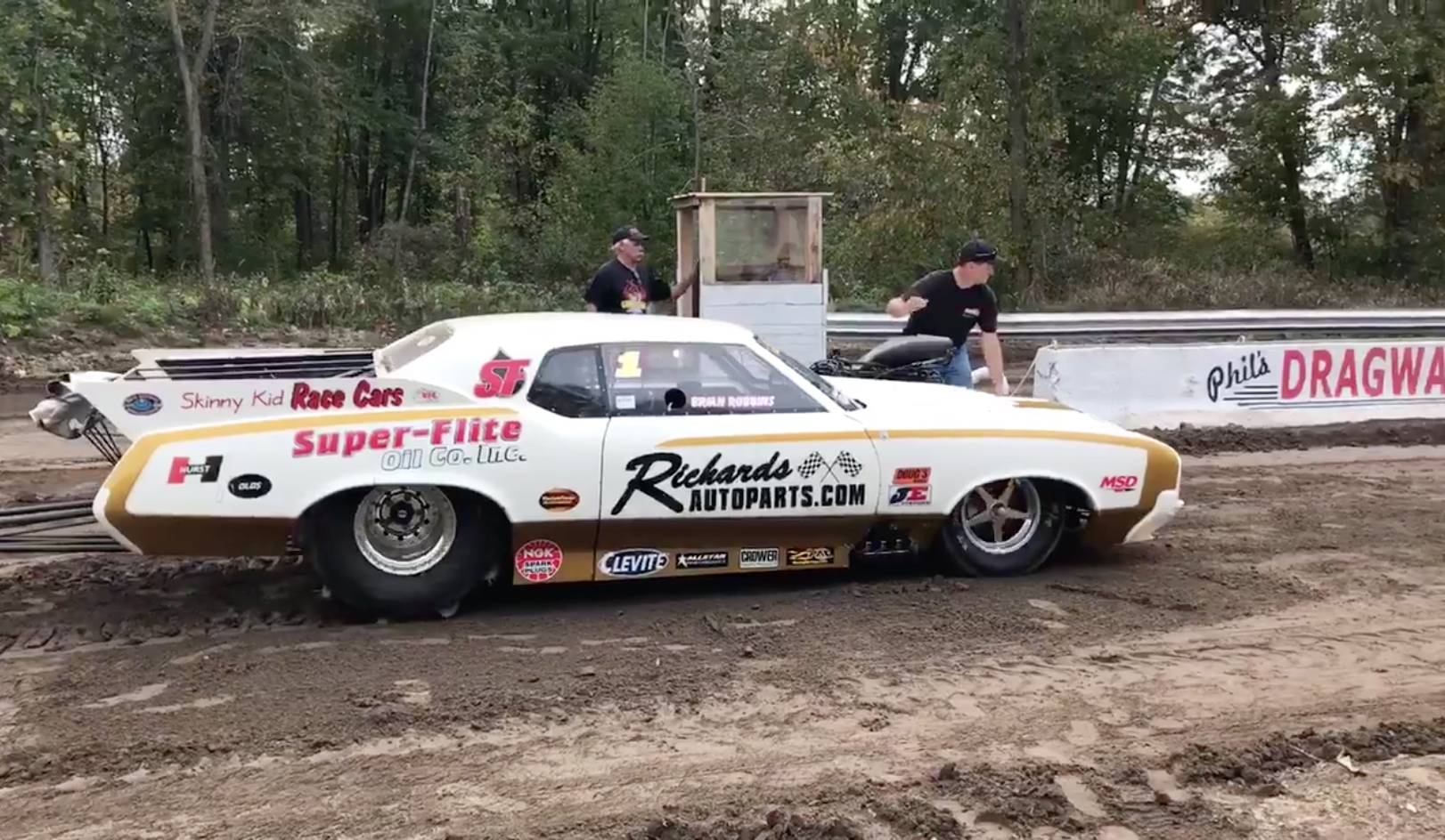Video: Skinny Kid \'72 Hurst Olds Get Second Lease On Life...On Sand