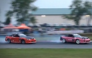 Video: Ford Mustang Battles Nissan 240sx On Drift Track